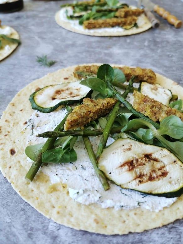 Vegetarische wraps groene asperge