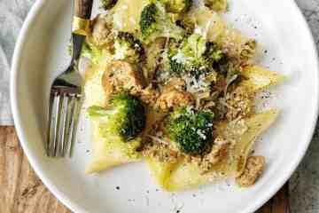 Pasta broccoli e vegetarische salsiccia