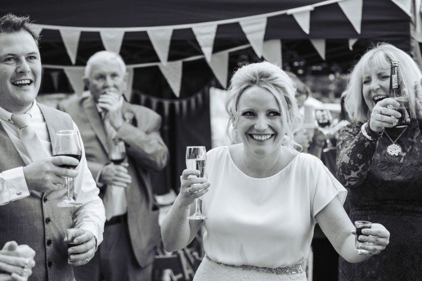 cheerful-chilli-barn-wedding-photographer-otley-chevin-134