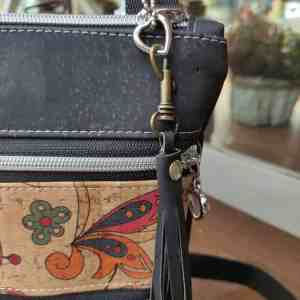 Kurk cross body tas met 3 ritsen zwart detail