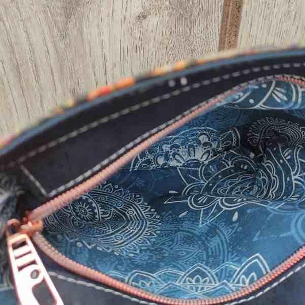 Blauw kurk tasje binnenkant
