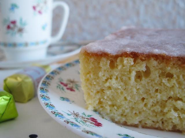 Молочный бисквитный пирог