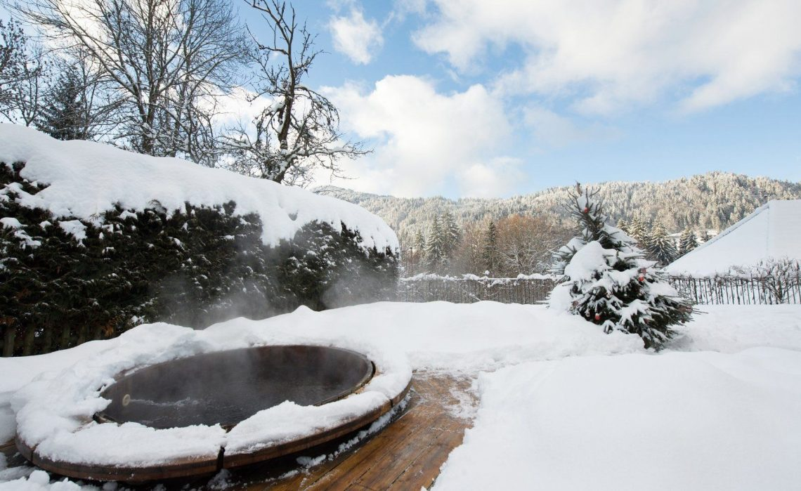 Chalet hot tub day