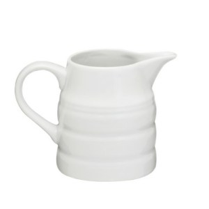 Jugs, Gravy Boats and Sauce Dishes