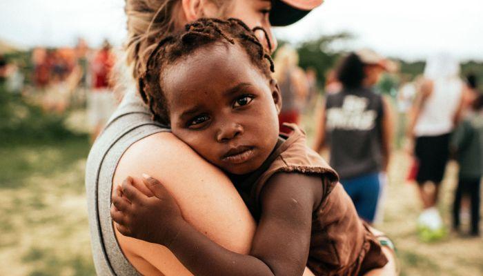 Poor Afrikas Kids Learn To Smile Again