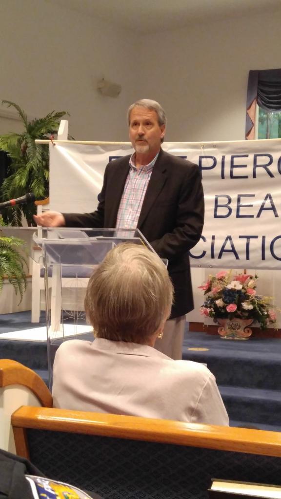 Islander Award recipient Eddie Becht