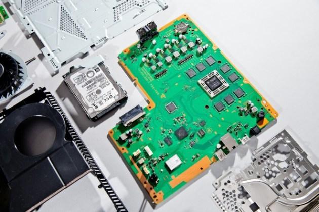 PlayStation 4の内部公開、担当エンジニアによる分解 (4)