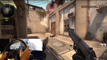 """なん・・・だと?『Counter-Strike Global Offensive』を""""ステアリングコントローラー""""でプレイする動画が話題に"""