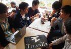 部門長会議の様子――大学近くの喫茶店にて