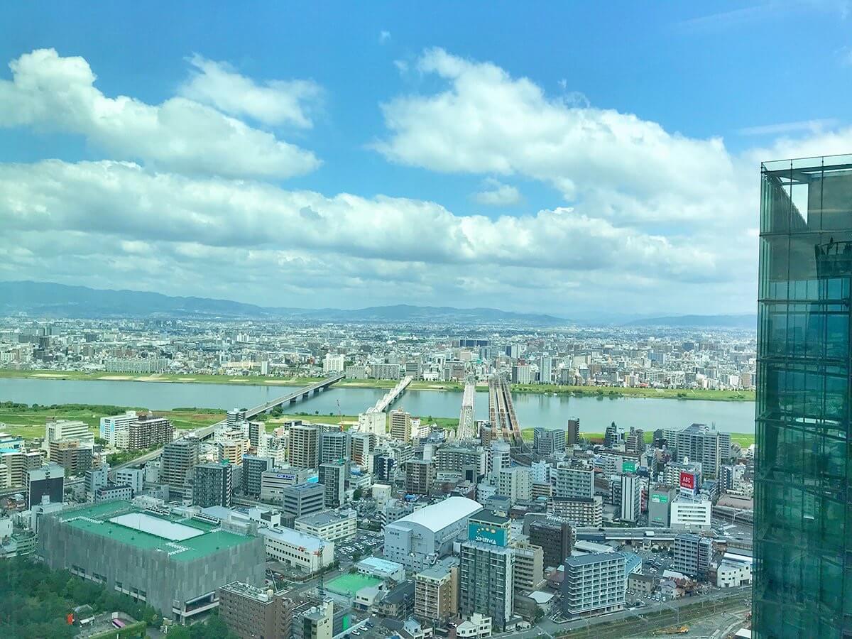 晴れた日のヤフー大阪オフィスからの景色