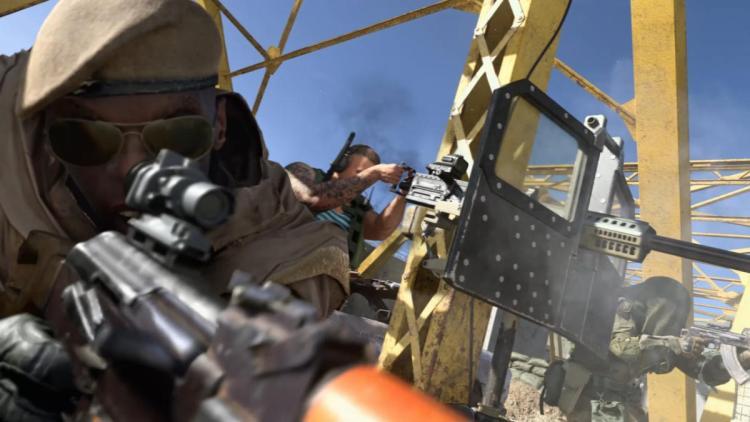 CoD:MW:ファン「メニューでの銃の持ち方が危ないよ!」、Infinity Ward「即修正する」