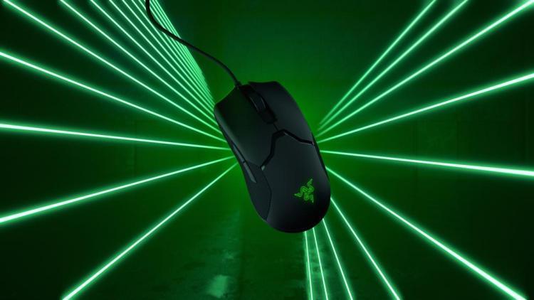 Razer、オプティカルマウススイッチ採用で69gの超軽量ゲーミングマウス「Viper」8月22日発売