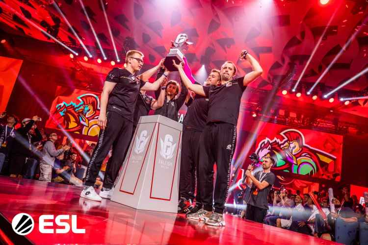 Six Major ローリー:Team Empireが2大会連続優勝、ライバルG2を破り正真正銘の王者に