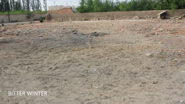 Site de la mosquée nivelée située dans le groupe Xianfeng de la ferme Huangtian, district de Yizhou