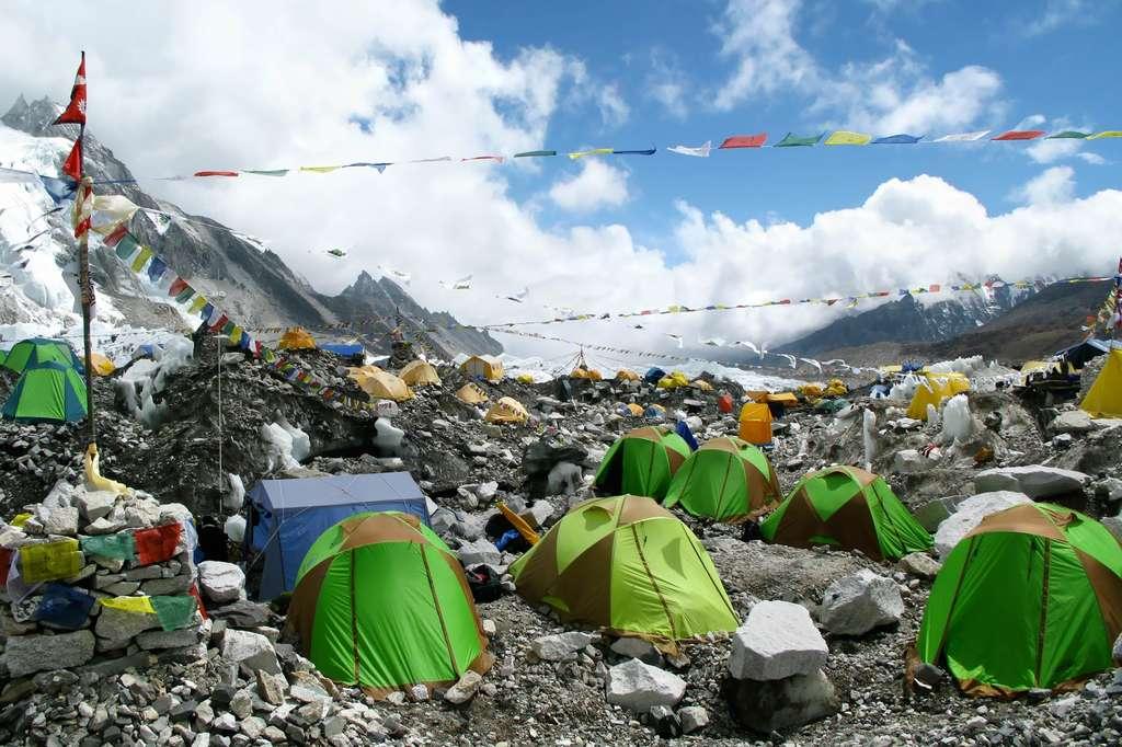 Le camp de base de l'Everest se situe à environ 5.300 m d'altitude (côté Népal). © alexbrylovhk, Fotolia