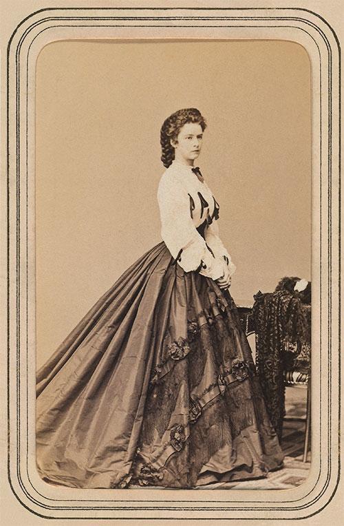 Crédit photo : Alinari via Getty Images (Portrait d'Elizabeth of Wittelsbach, Imprératrice d'Autriche et Reine d'Hongrie)