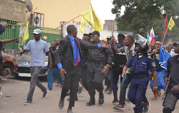 Violence policière lors de la Marche de l'Opposition, le 26 Mai 2016, Kinshasa.