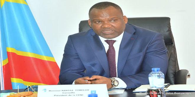 Photo du president de la CENI de RDC, lors d'un point de presse
