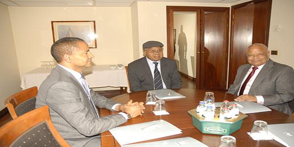 Photo, rencontre des politiciens congolais a Bruxelles.