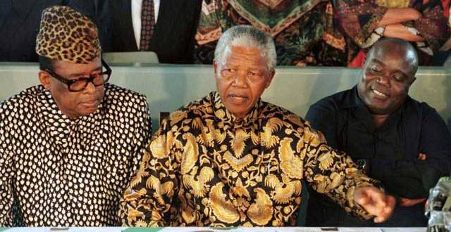 De gauche a droite : Mobutu SESE SEKO, Nelson MANDELA et Laurent-desire KABILA.