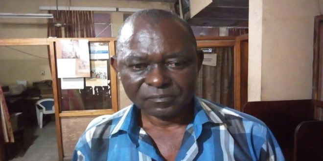 """Coordonnateur du journal """" Le Phare """", Jacques Kimpozo Mayala"""