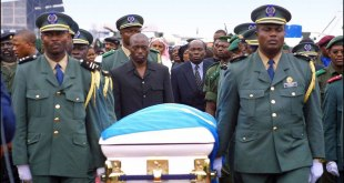 Arrival of the M'Zee Laurent-Désiré KABILA Coffin in Cinshasa, 21 jan 2001.