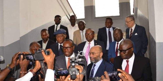"""Les """"Katumbi-boys"""" au sortir d'une reunion avec le Gouverneur Kimbuta."""