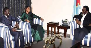 Sourire aux lèvres : Fatou Bensouda [procureure générale de la CPI] et joseph kabila [president de RDC].