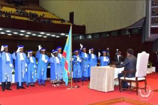 Serment des membres de la Cour constitutionnelle de RDC, devant le president Kabila, au Palais du peuple.