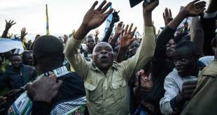 Partisans du candidat d'opposition à la présidentielle Martin FAYULU lors d'un meeting de campagne, le 5 décembre 2018 à Béni, en RDC. AFP