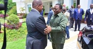 Joseph Kabila [droite], ancien président de RDC, avec un president africain.