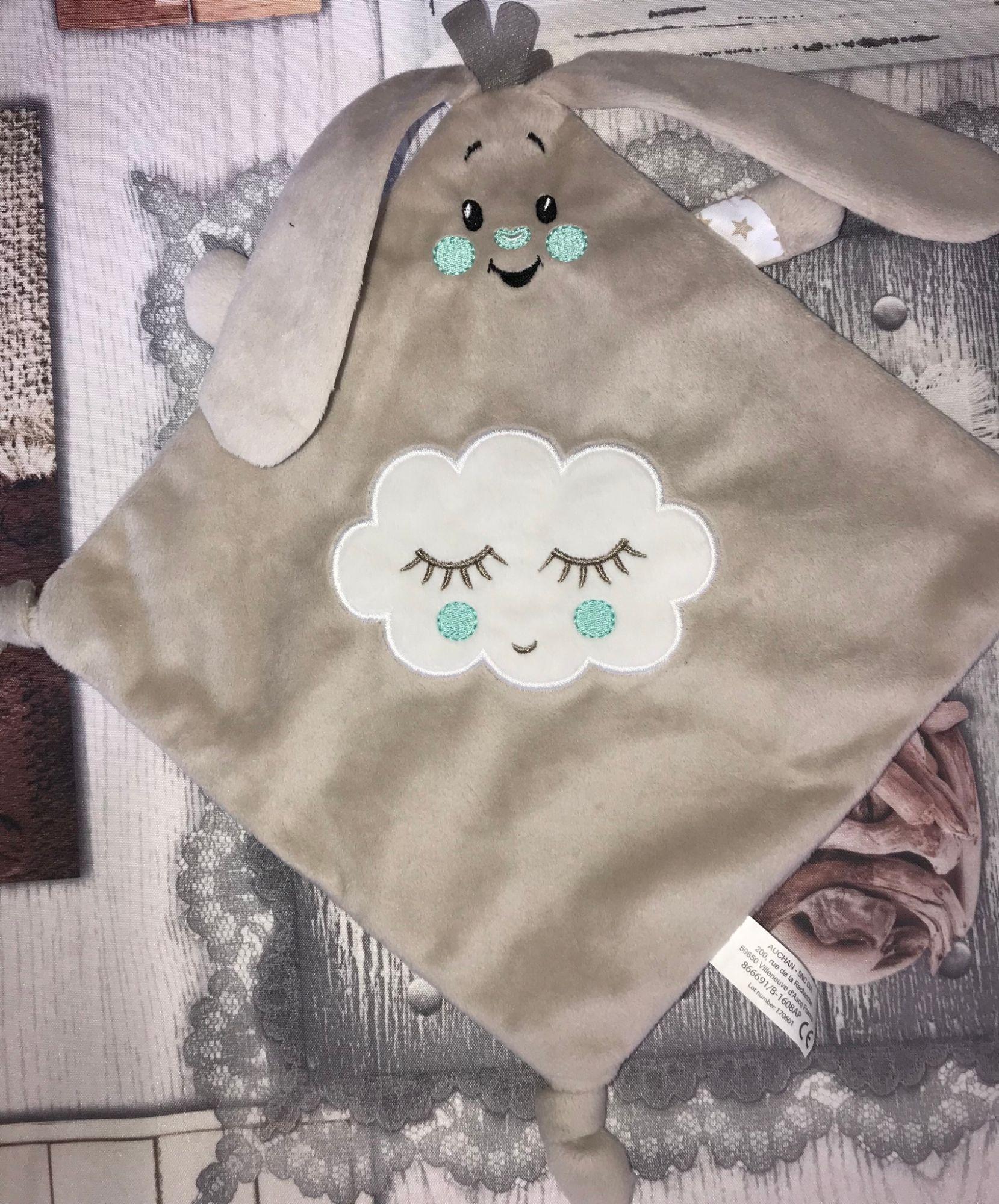 doudou lapin plat beige nuage auchan jouet peluche bebe