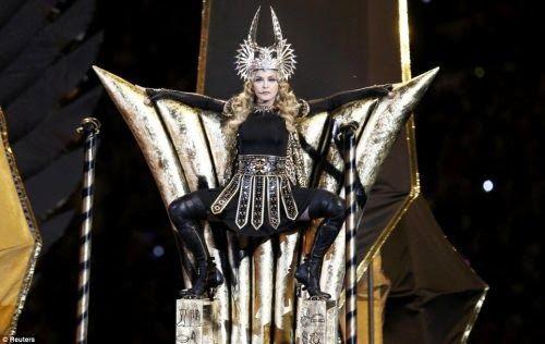 madonna 2B 281 29 Madonna dédie une chanson aux illuminati qui seraient, selon elle, « la vérité et la lumière »