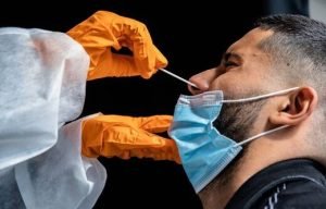 SOTT FOCUS: Les tests nasopharyngés « ne sont pas sans risque » selon l'Académie de médecine ou la petite histoire des tests PCR et leur utilité dans « l'agenda de la crise mondiale »