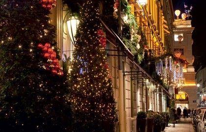 Illuminations de Noël 2015 Avenue Montaigne Paris