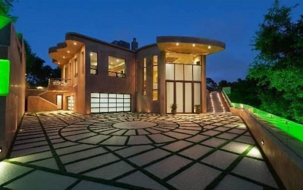 rihanna-house
