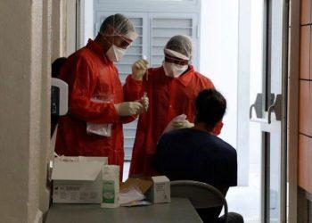 Coronavirus: Nouveau record en France avec 13.498 contaminations en 24 heures
