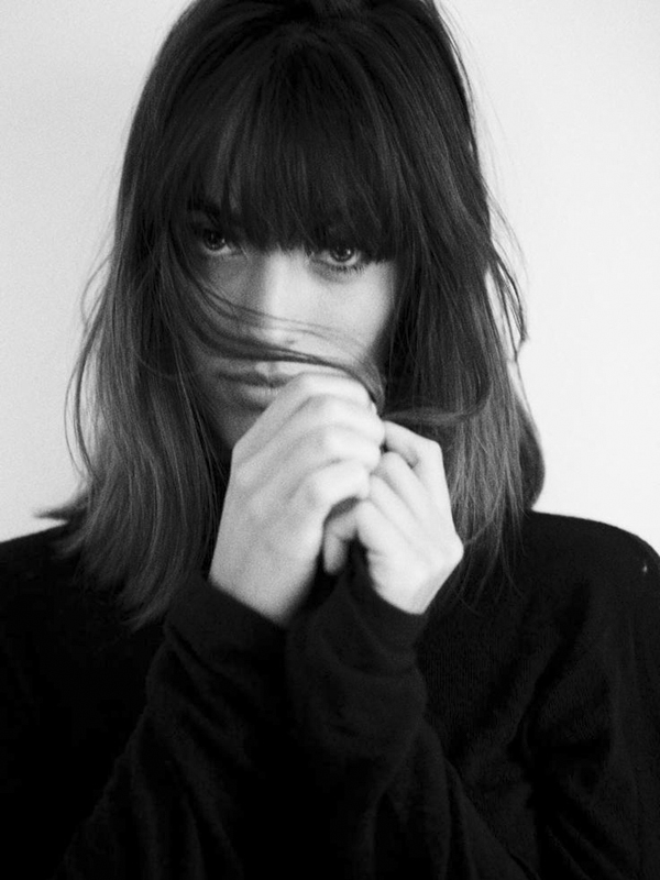 1-bangs-very-joelle-paquette