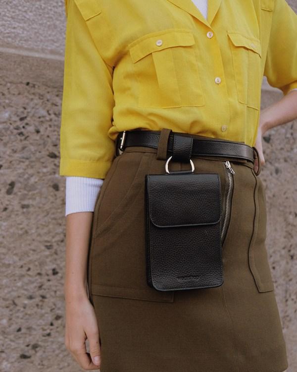 Détails du sac de taille Pitti par la compagnie québécoise de sacs à main éthiques en cuir Wearshop