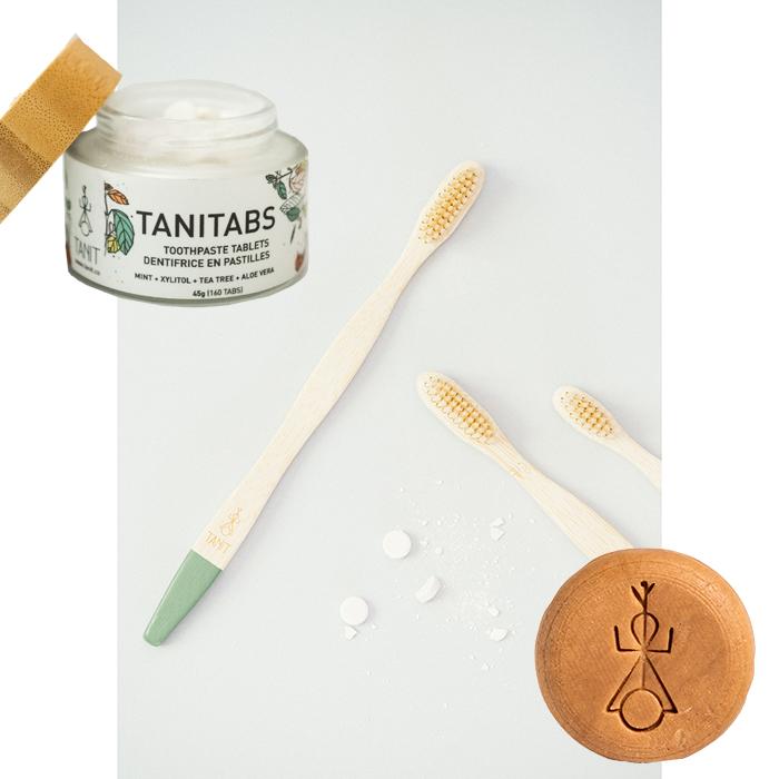 Coffret cadeau de Tanit composé de tablettes de pâte à dent, d'une brosse à dents en bambou et d'un shampoing solide