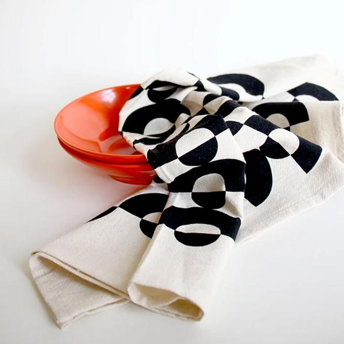 Linge à vaisselle par Freckled Fuchsia vendu à la boutique Bref