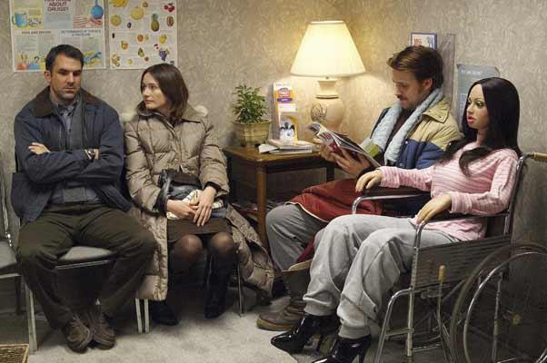 Une fiancée pas comme les autres : Photo Emily Mortimer, Paul Schneider, Ryan Gosling