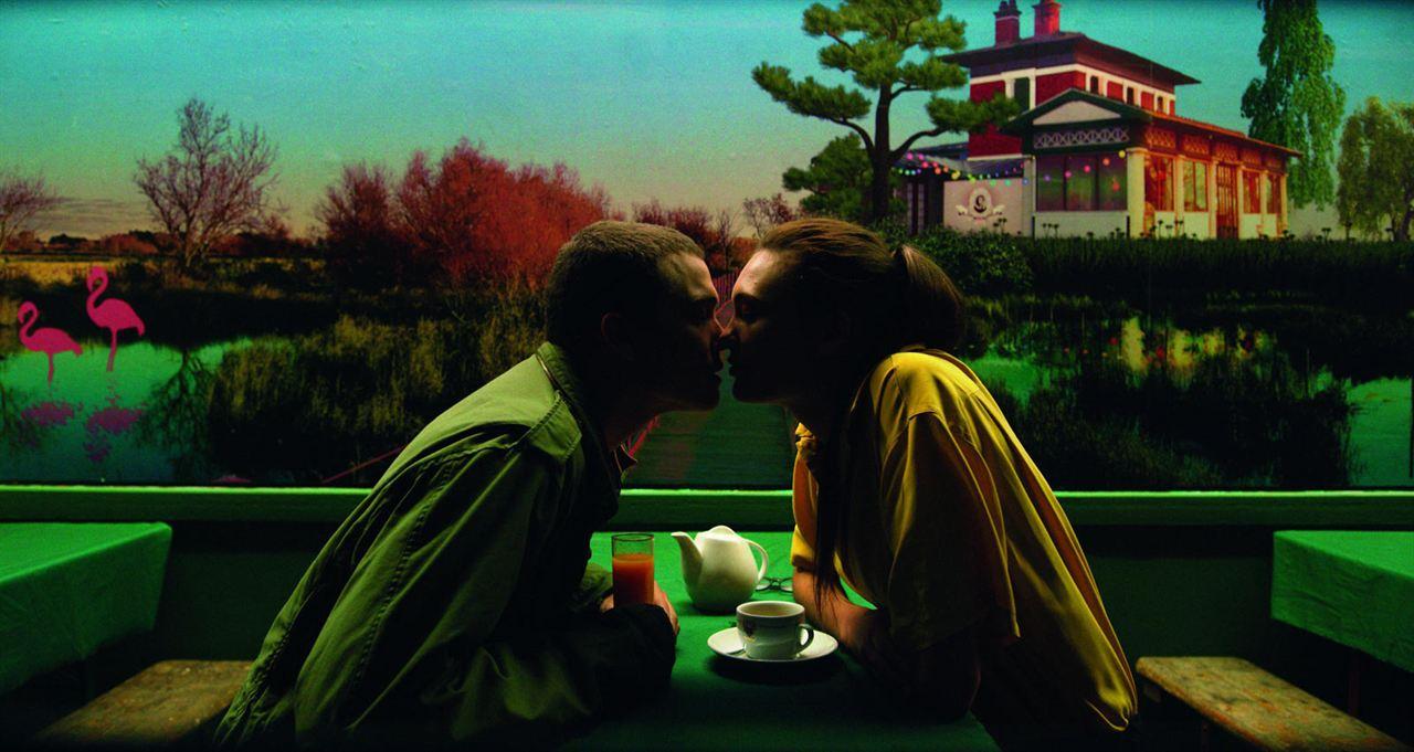 Love : Photo Aomi Muyock, Karl Glusman