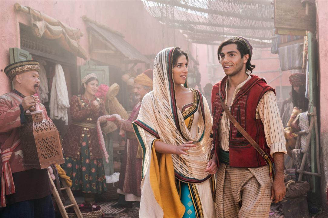 Aladdin : Photo Mena Massoud, Naomi Scott