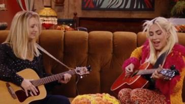 """Friends Les Retrouvailles : Lisa Kudrow a dû réapprendre """"Tu pues le chat"""" pour l'émission spéciale – News Séries à la TV"""