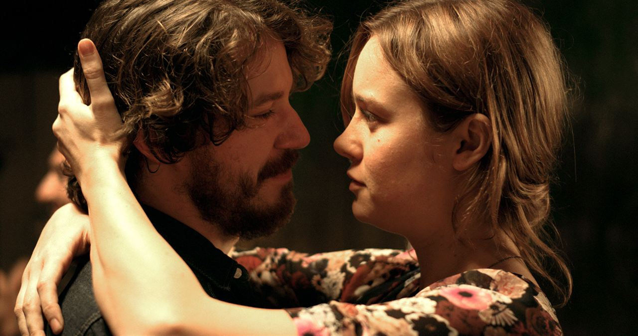 States of Grace : Photo Brie Larson, John Gallagher Jr.