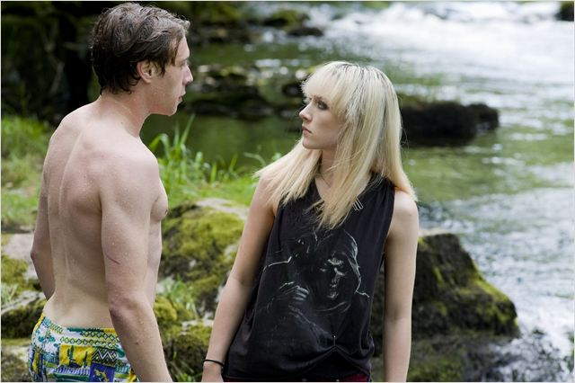 How I Live Now (Maintenant c'est ma vie) : Photo George Mackay, Saoirse Ronan