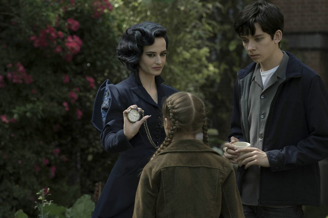 Miss Peregrine et les enfants particuliers : Photo Asa Butterfield, Eva Green