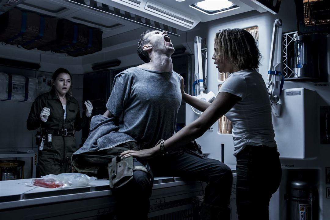 Alien: Covenant : Photo Amy Seimetz, Carmen Ejogo