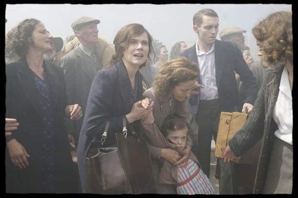 De Gaulle : Photo d'Yvonne de Gaulle (Isabelle Carré) et ses enfants. © SND